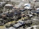 Siêu bão Michael tàn phá nước Mỹ, 7 người tử vong