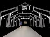 Ngắm nhìn một chợ Đồng Xuân thật thời trang và hiện đại trên sàn diễn VietNam Interntional Fashion Week Thu Đông 2018