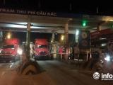 Hà Tĩnh: Xe đầu kéo dàn hàng tại trạm Cầu Rác phản đối giá vé 'cắt cổ'