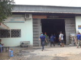 TP.HCM: Xưởng cơ khí bất ngờ bốc cháy, 2 người bỏng nặng