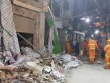 Sập nhà giữa đêm ở trung tâm TP.HCM, 2 người thương vong