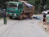 Yên Bái: Va chạm với xe tải, 2 vợ chồng thương vong