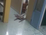 Vĩnh Long: Nhóm côn đồ đập phá trụ sở CA xã, đâm 3 người nhập viện