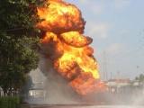 TP.HCM: Xe bồn cháy dữ dội ở cửa ngõ thành phố, giao thông tê liệt