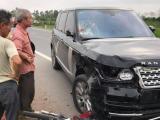 Hưng Yên: Xe sang Range Rover tông 2 vợ chồng thương vong