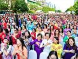 TPHCM: Trên 3.000 người diễu hành với áo dài trên phố đi bộ Nguyễn Huệ