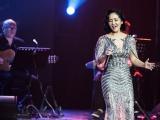 """Hồng Nhung diện váy Hoàng Hải nồng nàn """"18 năm nhớ Trịnh Công Sơn"""""""