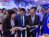 Thủ tướng tham quan gian hàng công nghệ Checkvn tại diễn đàn phát triển DN công nghệ Việt Nam