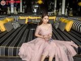 Hoa hậu Ngọc Anh Anh trẻ trung như cô nàng công sở