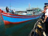 Cảnh sát biển cứu 6 ngư dân gặp nạn ở Hoàng Sa