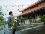 Quang Dũng tận tay gửi tặng 10 nghìn đĩa Ca dao mẹ đến các chùa trong và ngoài nước