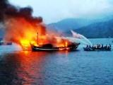 Đà Nẵng: Cháy nổ làm chìm tàu cá, 6 ngư dân may mắn thoát chết