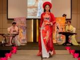 Hiếm hoi mới thấy Hoa hậu  Ngọc Hân diễn thời trang