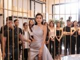 Minh Tú diện váy gợi cảm làm giám khảo casting người mẫu show thời trang
