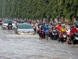 Dự báo thời tiết ngày 17/10: Trung bộ tiếp tục mưa to, nhiều nơi có thể ngập úng