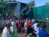 Xe container đâm sập nhà dân ven quốc lộ, một người tử vong