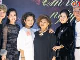NSND Thanh Hoa kỷ niệm 55 năm ca hát bằng liveshow Em vẫn như ngày xưa