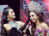 Phương Khánh rạng rỡ trao vương miện cho Miss Bikini Philippines 2019