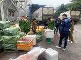 Hà Nội: Phát hiện 2 xe container thực phẩm đông lạnh không rõ nguồn gốc