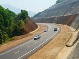 Thủ tướng giao 3.112 tỷ đồng thực hiện dự án đường HCM đoạn Sơn La – Túy Loan và quốc lộ 20