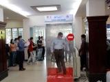 Sân bay Nội Bài vận hành buồng khử khuẩn toàn thân