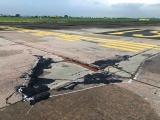 Kiến nghị áp dụng 'lệnh khẩn cấp' để sửa chữa đường băng sân bay Nội Bài và Tân Sơn Nhất