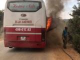 Đắk Lắk: Xe khách bất ngờ bốc cháy khi đang di chuyển