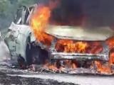 Ô tô bốc cháy dữ dội khi đang lưu thông, tài xế bị bỏng nặng