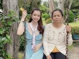 Huỳnh Vy và mẹ đi du lịch Đà Lạt, đọ sắc cùng ngàn hoa