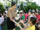 Hàng ngàn trẻ em Hà Nội đón niềm vui uống sữa đến từ Vinamilk và Quỹ sữa vươn cao Việt Nam