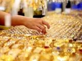 Giá vàng và ngoại tệ ngày 3/8: Vàng treo cao, nên mua hay bán chốt lời?