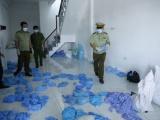 Bình Dương: Phát hiện cơ sở tái chế hàng triệu găng tay y tế đã sử dụng