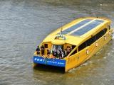 Thái Lan ra mắt xe máy và tàu thủy chạy điện