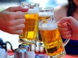 Lôi kéo người khác uống rượu, bia có thể bị phạt đến 1 triệu đồng