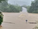 Mưa lũ lớn gây nhiều thiệt hại tại các tỉnh miền Trung