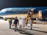 Hơn 340 công dân Việt Nam từ Hoa Kỳ về nước an toàn