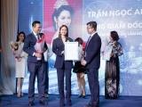 """Hoa hậu doanh nhân Ngọc Anh Anh rạng rỡ trong chương trình """"15 năm vươn ra biển lớn"""""""