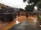 Quảng Trị: Ứng cứu khẩn cấp hơn 20 cán bộ chiến sỹ bị sạt lở đất vùi lấp