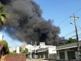 Bình Dương: Hàng nghìn m2 nhà xưởng tại công ty xử lý môi trường chìm trong biển lửa