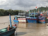 Phú Yên cấm biển, Bình Định kêu gọi tàu thuyền tránh bão số 10