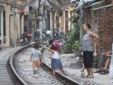 Hà Nội sẽ xóa bỏ toàn bộ các lối đi tự mở qua đường sắt hết năm 2020