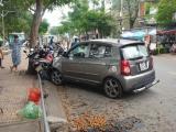 TP.HCM: Xe con tông 4 xe máy, 2 người nhập viện