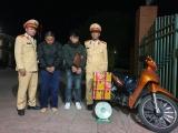 Phòng CSGT CA tỉnh Bắc Giang: Bắt giữ hai đối tượng vận chuyển trái phép 16kg pháo