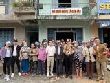 Đan Trường - Trung Quang thực hiện lời hứa, đến hỗ trợ Hội người mù tại thị xã Điện Bàn