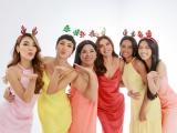 Minh Tú đón Giáng sinh đặc biệt bên các người đẹp chuyển giới