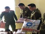 Lào Cai: Bắt giữ khối lượng lớn súng đồ chơi, thực phẩm không rõ nguồn gốc