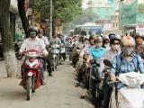 Chủ tịch UBND TP Hà Nội yêu cầu xử lý nghiêm phương tiện đi lên vỉa hè
