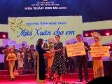 Tiên Nguyễn đại diện IPPG trao tặng Quỹ Bảo trợ trẻ em Việt Nam 3 tỷ đồng
