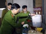 Triệt xóa cơ sở sản xuất rượu ngoại giả tại Hà Nội