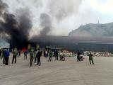 Quảng Ninh: Gần 10 tấn hàng trong kho chứa bị ngọn lửa thiêu rụi